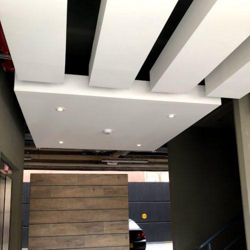 Fabricación de recepciones para empresas y conjuntos residenciales